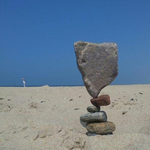 Stone Balancing in Hargen aan Zee