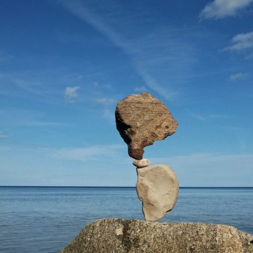 Counterbalance, Melnsils. Lettland